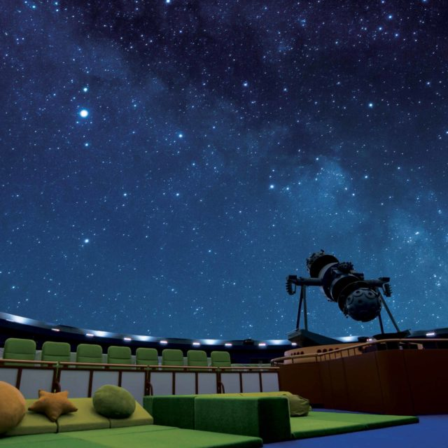 広報写真ドーム星空